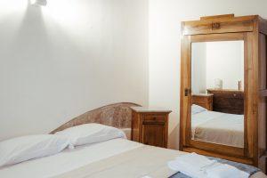 Appartamenti nel cuore di Assisi, sulla Piazza del Comune, appartamento signorile di grandi dimensioni